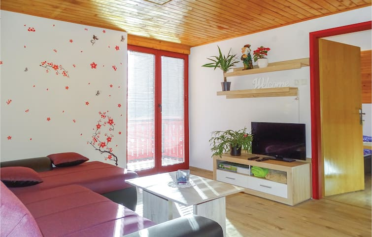 Holiday apartment with 2 bedrooms on 74m² in Luce