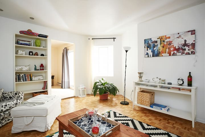 Spacious 3Bedroom in the Plateau/Mile-End - Montreal - Apartamento