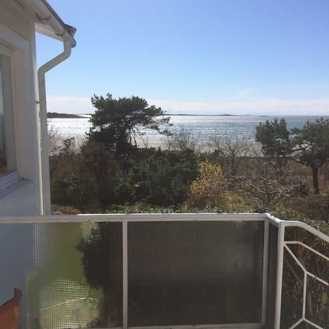 Boende vid strandkanten med fantastisk utsikt - Varberg V - Cottage