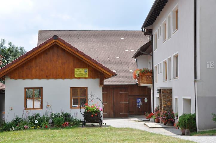 Ferienwohnung  am Bauernhof - Bucklige Welt - - Maierhöfen - Gæstehus