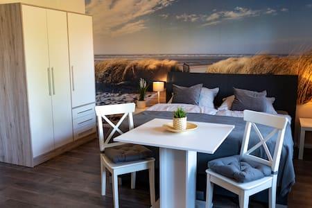 Doppelzimmer Tiefparterre 9 - Haus Stern - Ostsee