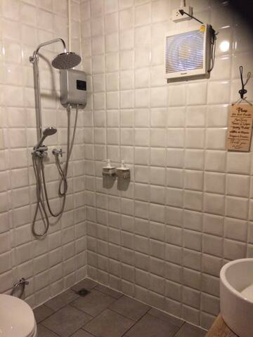 Excellant Shower