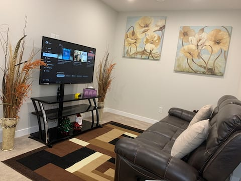 Newly Built Cozy Private Guest Suite
