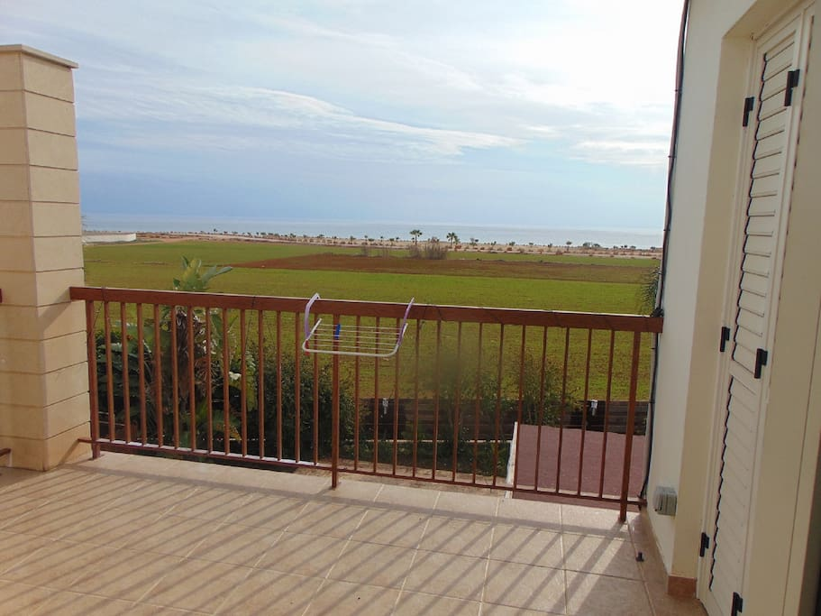 Beautiful seaviews from the balcony. sea is just 150mtrs away.