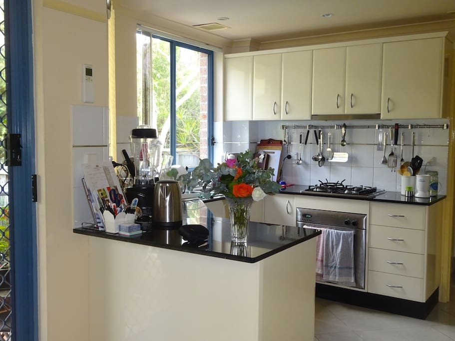 Use of clean, tidy Kitchen