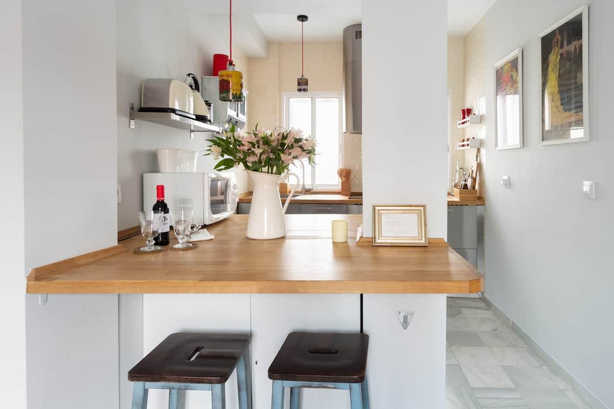 Newly Renovated, Chic Apartment Near Santa Catalina