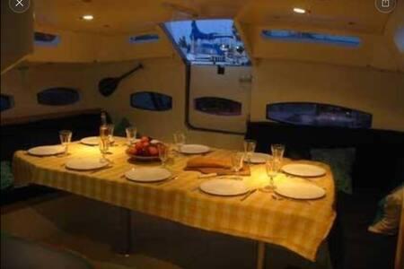 Chambre sur le lagon, grand voilier - Papeete