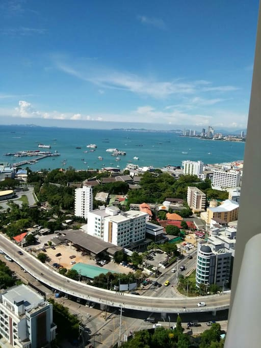 Pattaya bay view balcony