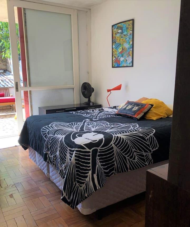 Cozy Room in Pinheiros