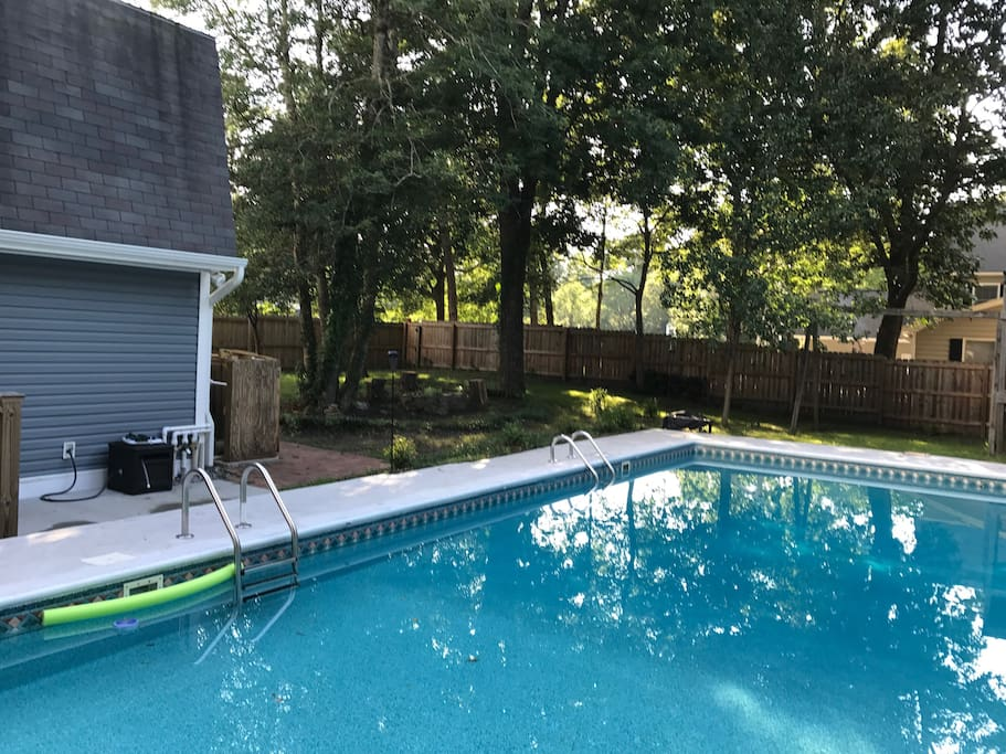 Pool/Fire pit area
