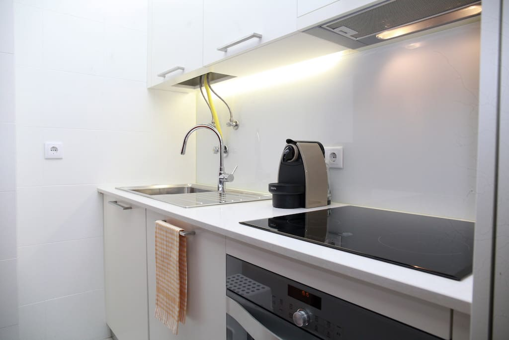 Fully equipped kitchen with a nespresso machine
