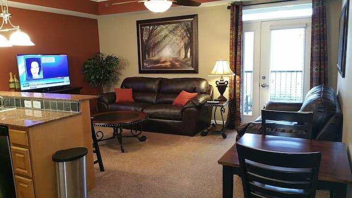 1 BR Riverfront Luxury Condo in Perfect Location