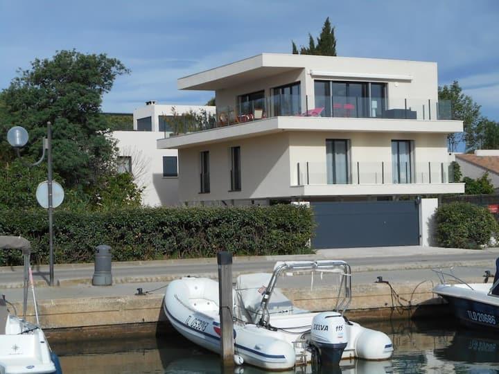 Magnifique villa  vue mer 14 pers. piscine chauffé