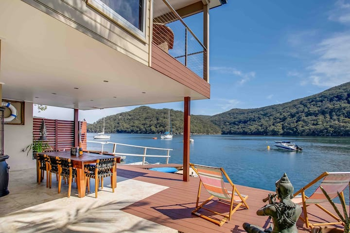 The Deckhouse, Cottage Point  - Waterfront Villa