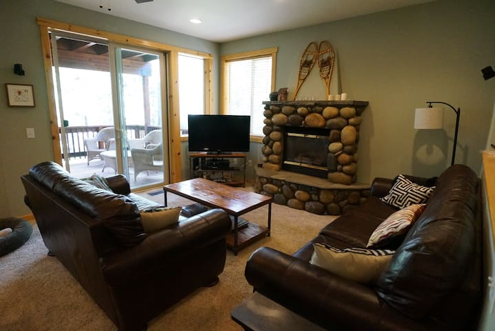Modern and Comfortable Tahoe Donner Home - Truckee - Wohnung