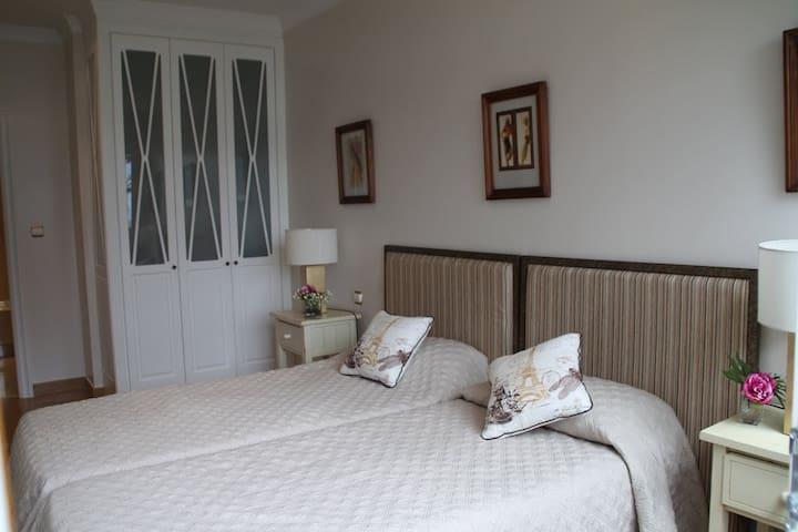 2ª Habitación con dos camas individuales.