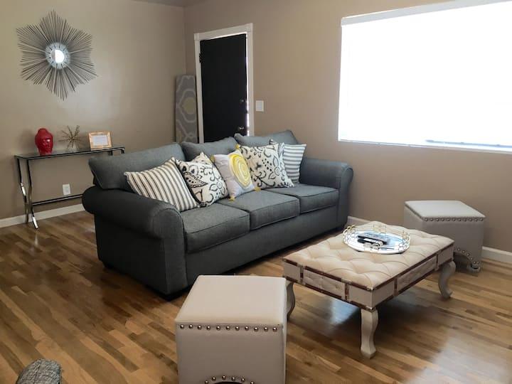 Beautiful, cozy, newly renovated in Northeast LA!