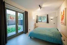 bed room ground floor incl walk in bath room and walk in closet