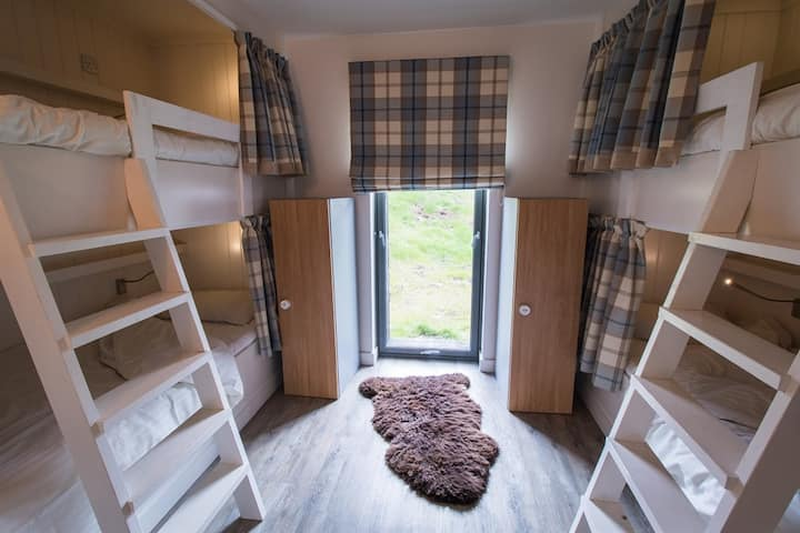 6-Bed Boutique Bunkhouse Room (Private Bathroom)