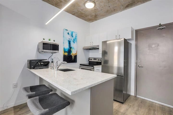 Immaculate Fully Furnished Studio
