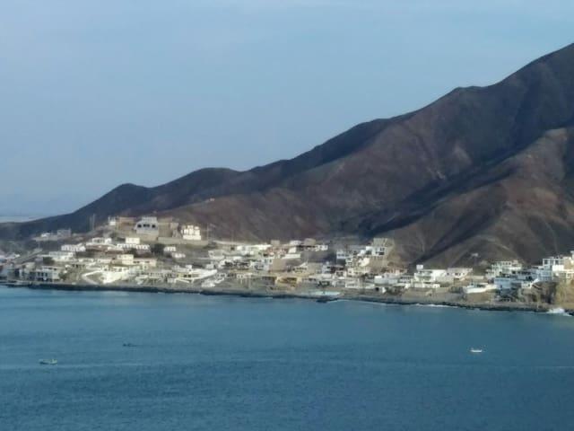 Playa San Germán y el Inca.