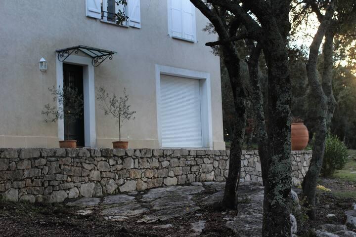 Maison face au Pic St Loup - Saussines - Rumah