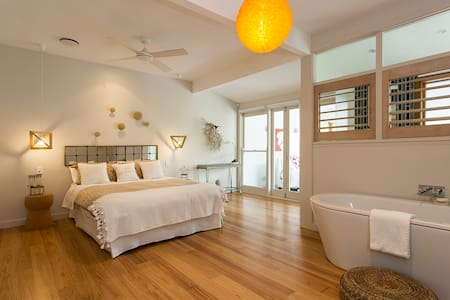 Palm Beach Large Suite, Water Views, Pool, Bath. - Palm Beach - Rumah