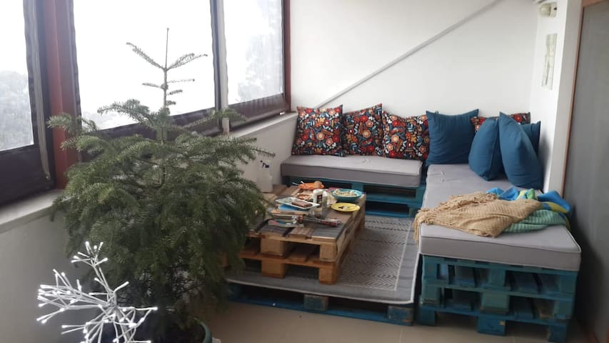 2 rooms in a local roof-flat on Buyukada