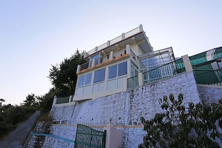 OYO - Trending Now! Classy 2 BR Apartment In Nainital