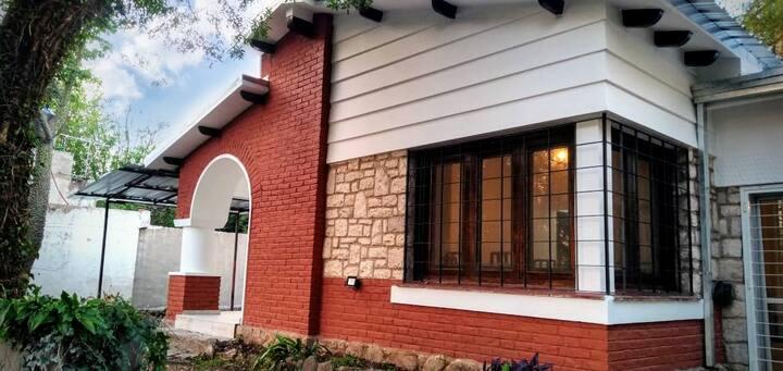 Chalet 100% renovado en Villa Los Altos