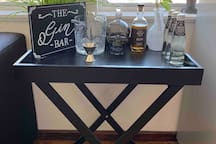 The Gin bar. The perfect place to mix yourself a drink to enjoy over a romantic dinner or sunset.