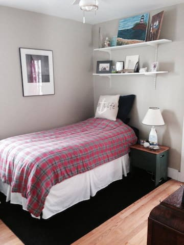 2 MIN FROM OLD PORT perfect single and double room - South Portland - Ev