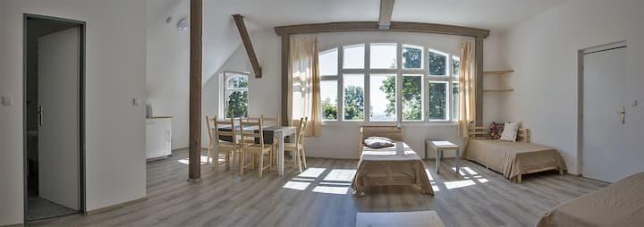 Stylový apartmán s výhledem na Český ráj