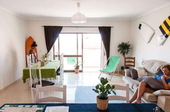 Double bedroom in Surfers house - Esmoriz - Appartement