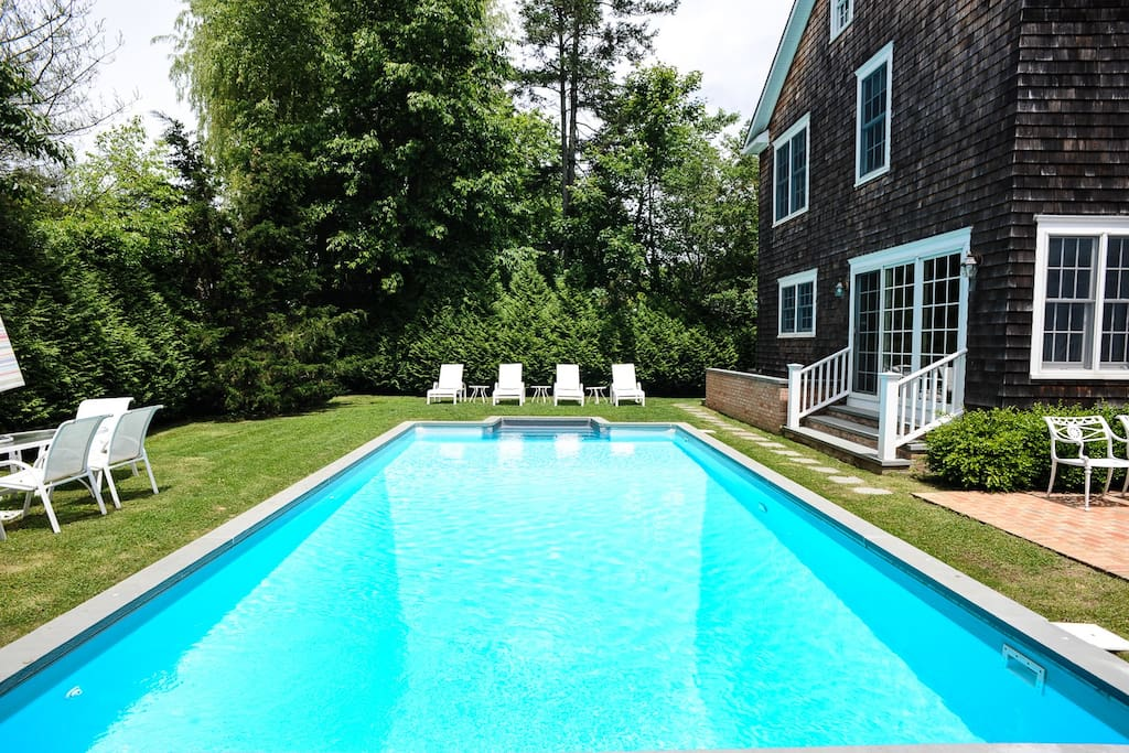 Professionally maintained heated swimming pool.