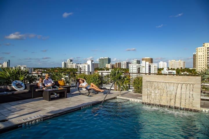 Big 2 Bedroom+Balcony | Classic | Roof Top Pool