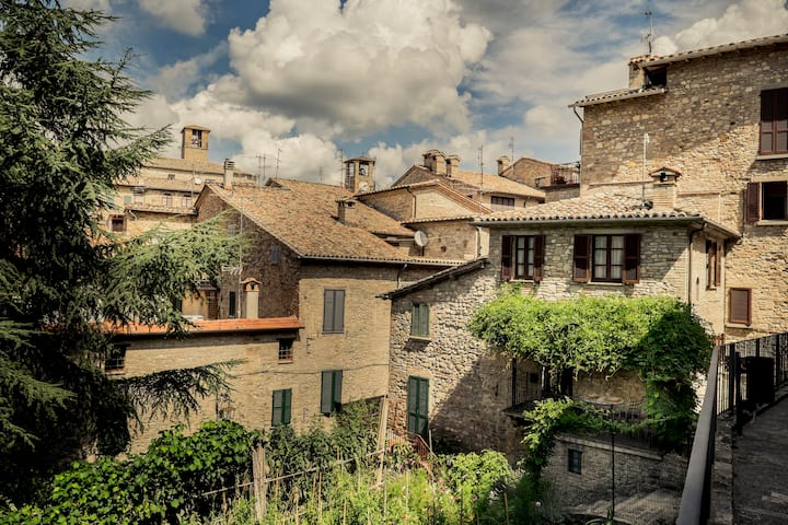 Montone Due perfect for two