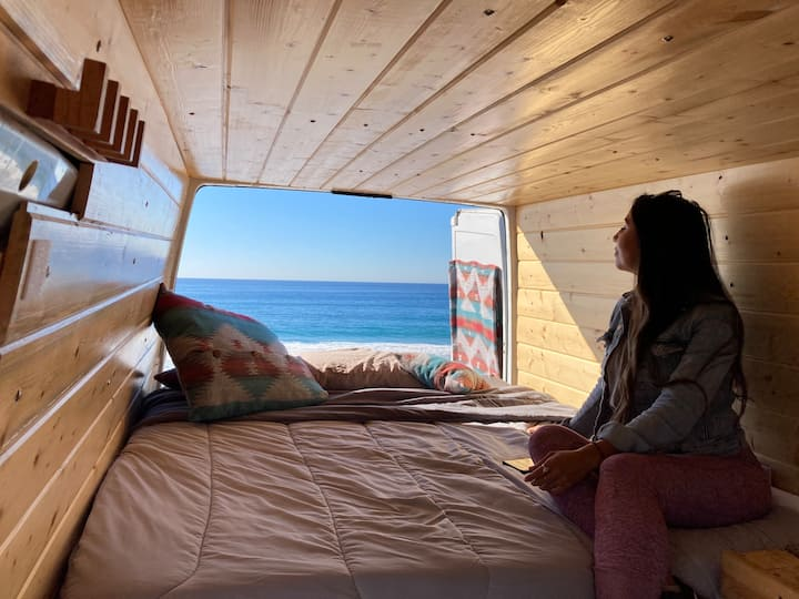 Tiny House Blocks from Shoreline in Pacific Beach