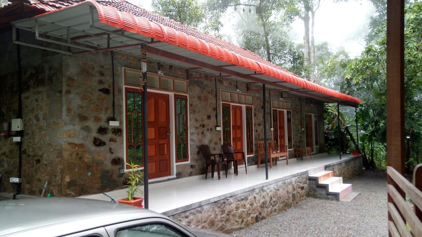 Parijatham Heritage  home stay single room 6