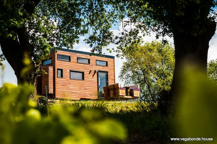 Autonomous & ecological tiny house in the wineyard