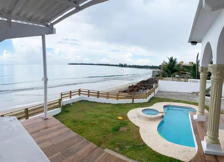 La Orilla Beach House II *Beachfront*20kwGenerator