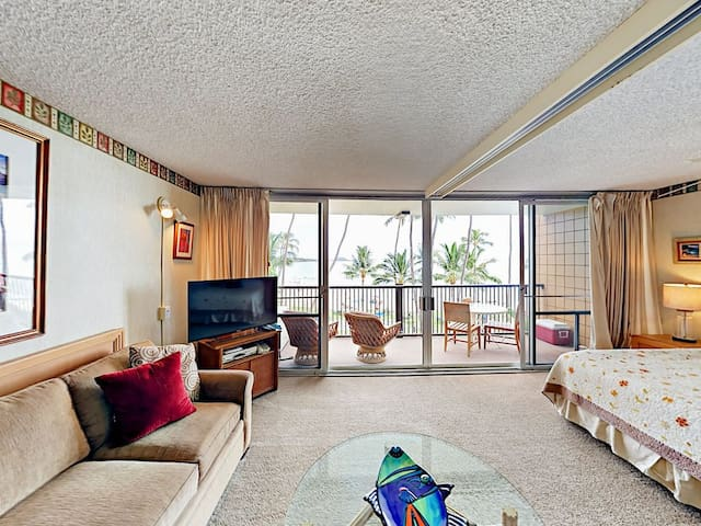 Living room opens out to the lanai
