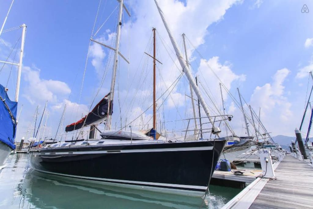 53ft Sailing yacht with 3 double Cabins 3 bathrooms