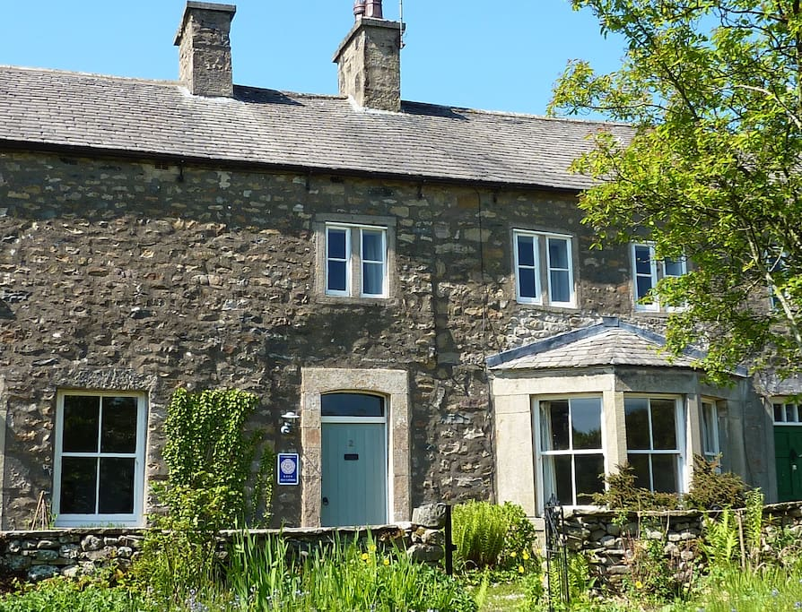 Bronte School House Kirkby Lonsdale Cottages For Rent