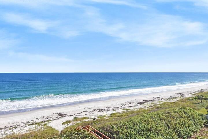 Enjoy this beach in walking distance!