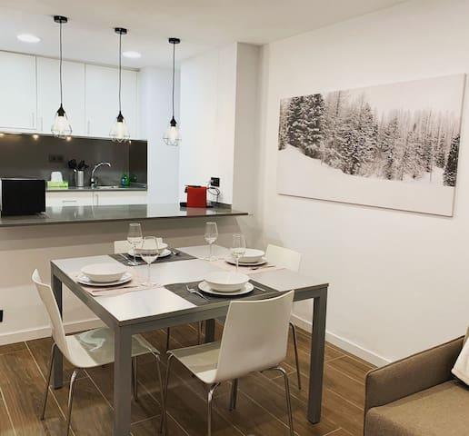 New apartment Pas de la Casa-50m from slopes! 4pax