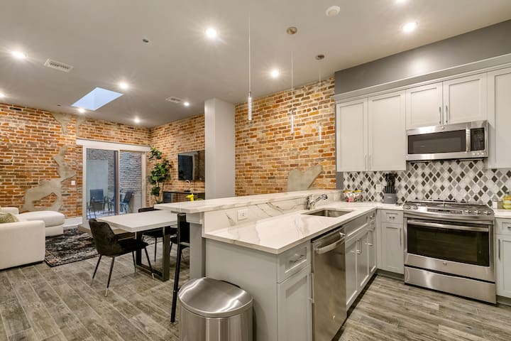 *Spacious, Luxe 3B/2B, Downtown* - The St. Louis
