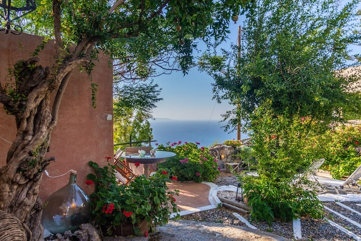 [COSY] The Old Pomegranate House - Sea view - AC - WIFI - SAT TV