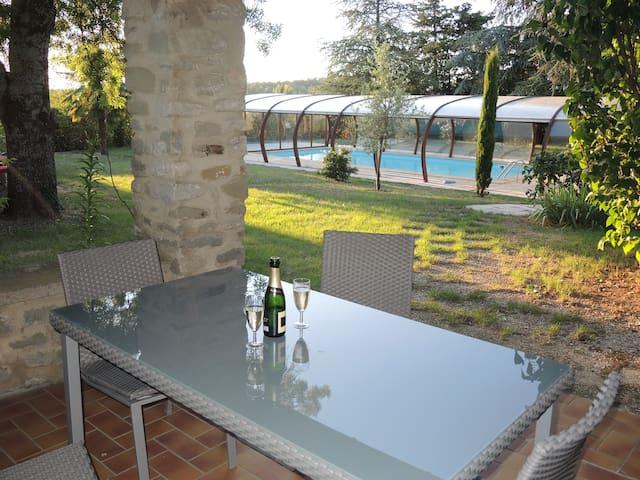 Beau gîte avec piscine - Pont-de-Barret - Rumah