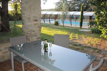Beau gîte avec piscine - Pont-de-Barret